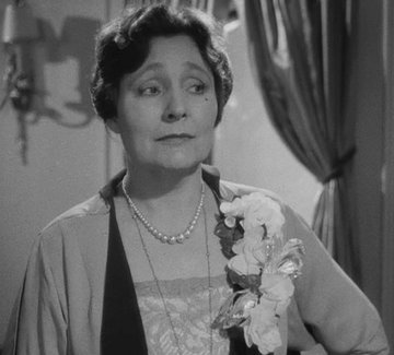 Margaret_Dumont_as_Mrs._Claypool_in_A_Night_at_the_Opera_(1935).jpg