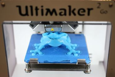 Ultimaker_3D_Printer_(16656068207).jpg